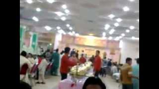 Funny Pakistani wedding opening of Dinner