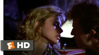 Desperately Seeking Susan (5/12) Movie CLIP - Rooftop Kiss (1985) HD