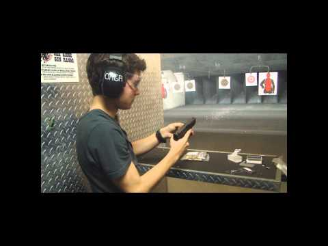 Adolescente atirando com Glock 9mm FAIL e WIN