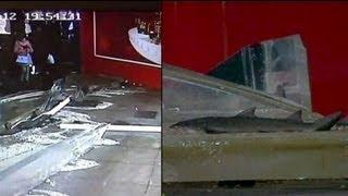 شکستن شیشه های آکواریوم غول پیکر در شانگهای چین