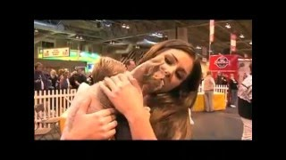 Cute Lucy Pinder Pets a Pussy @ Supreme Cat show