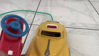 Lineman B/O R/C Yellow Cab TAXI Tin Toy