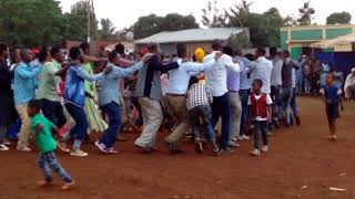 Ethio love This Video Shows how meskel Can be celebrated in shinasha community @Assosa Town 2010 e.c
