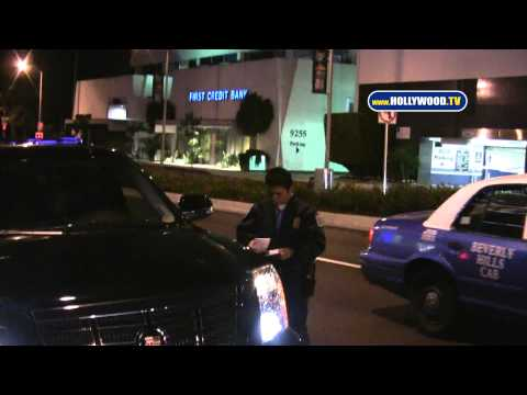 Puff Daddy P. Diddy Gets Parking Ticket, Paps Bust Up