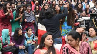 agstya band performance in dayalsingh college