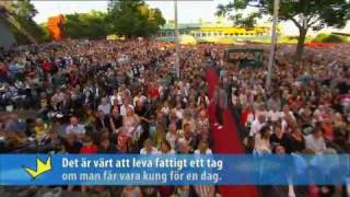 Magnus Uggla - Kung För En Dag (Live Allsång På Skansen 2008).avi