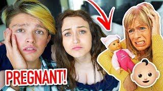 PREGNANT GIRLFRIEND PRANK ON MOM!! *GONE WRONG* (Prank Wars)