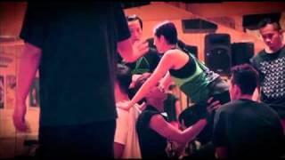 Download 《Ladies & Gentlemen 楊千嬅世界巡迴演唱會2010‧香港站》排舞實況 3Gp Mp4