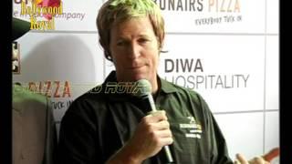 Jonty Rhodes at the opening of Debonairs Pizza 1