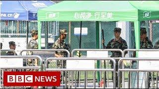 Hong Kong: British consulate staffer 'detained at China border' - BBC News