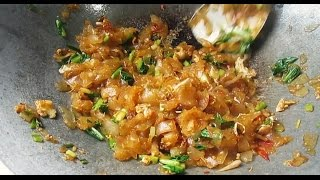 Cooking with Mom #43 - Kwetiau Goreng Ho Ciak | Tastemade Indonesia