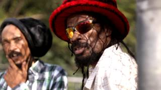 Israel Vibration featuring Droop Lion   Man Up