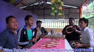 Cham Cham Nachideu Neurera By Dinesh Pun N Amit Bk Myagdi छम् छम् नाचिदेउ निहुरेर हाटमा रुमाल कानमा