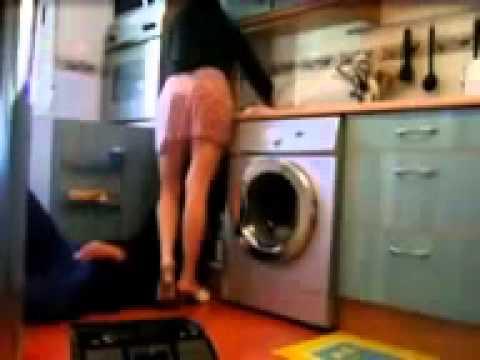 Un plombier un peu trop curieux et vicieux très drôle ;)
