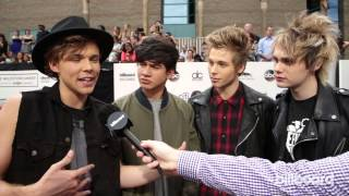 5 Seconds Of Summer: Billboard Music Awards Red Carpet 2014