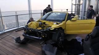 تفكيك وتركيب سيارة موستنج ٢٠١٥ الجديدة قطعة قطعة في الدور الـ١١٢ لـ برج خليفة !