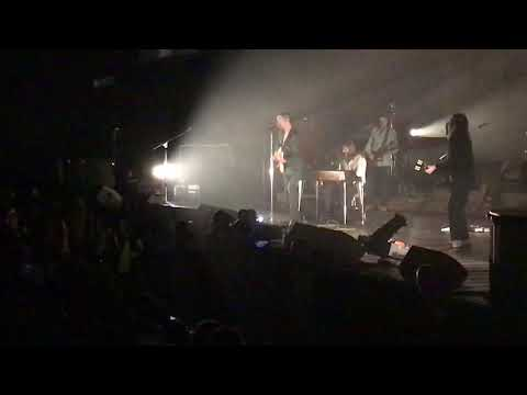 Arctic Monkeys - Fluorescent Adolescent + One Point Perspective live @ FlyDSA Arena (Sheffield)