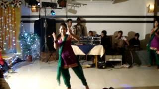 Meghomilon dance by a small girl .MPG