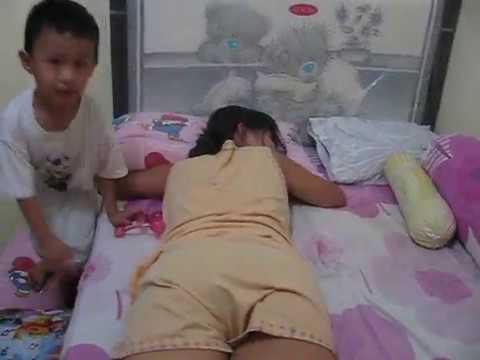 HOT ! Massage boy to his mom