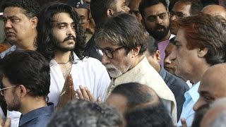Bollywood Fraternity Attends Vinod Khanna's Funeral | Amitabh , Rishi