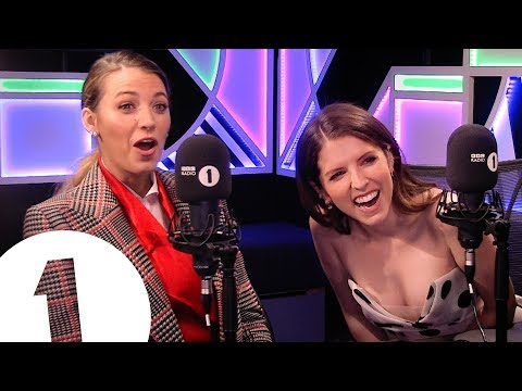 """""""Look at me, I'm Rynal Reynolds!"""": Blake Lively & Anna Kendrick play BLANK SPACE"""