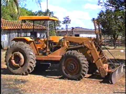 Valmet 148 4X4 com lamina e esteira caterpiler D4 na Fazenda Capituva no municipio de Pium TO