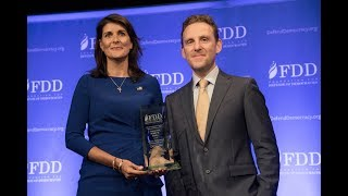 Mark Dubowitz presents Ambassador Nikki Haley with the Jeane J. Kirkpatrick Statesmanship Award