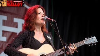 Rosanne Cash: Country Musicians, Stand Up to the N.R.A.