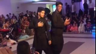 BEST MEHNDI DANCE EVER 2016 !!! (tujse milke,hadippa,churake dil mera,tattad tattad)