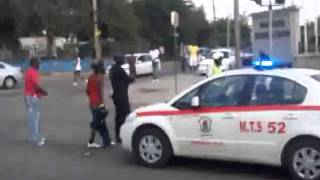 Video Mad Man Attacks Jamaican Police With Machete