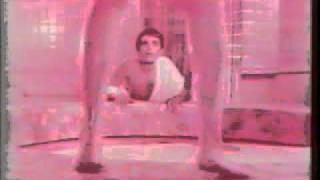 لقطه من فيلم حمام الملاليطي