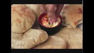 طرز تهیه نان پیتا در خانه؛ محبوب ترین نان لبنانی
