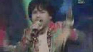 Kailash Kher Performing Chak De Phuttay Live