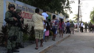 Schoolyear starts under high security in Acapulco