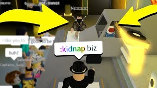 USING ADMIN COMMANDS IN RAP BATTLES! (Roblox)