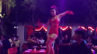 Sexy Bikini Girls Dance With Remix Songs (16+)