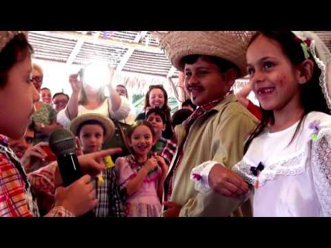 Festa Junina O casamento de Maria Chiquinha e Zé Bonitinho