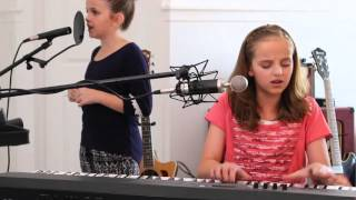 Evie Clair & Kirra LA - Love Somebody - Cover (Maroon 5/MattyBRaps)