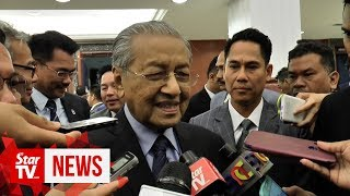Dr M clarifies Anwar's statement on Azmin taking leave