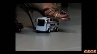 L - Y - SlowMotion 300fps - Toy Cars Crush 01