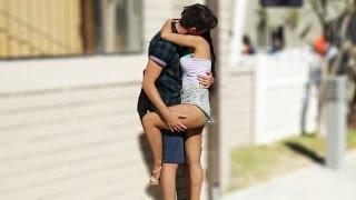 BESOS FACILES ♥ KISSING PRANK - Sexy Pecho con chicas sexis