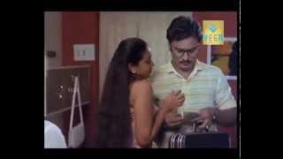 Chinna Veedu Romantic Scene 04