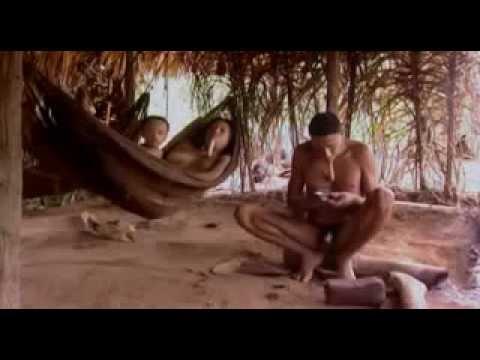 La vida diaria de la Tribu Zoe un mundo perdido . SUKU ZOE PEDALAMAN