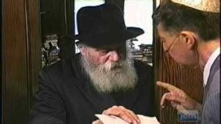 The Lubavitcher Rebbe Accepting 'Panim' on Erev Rosh Hashana