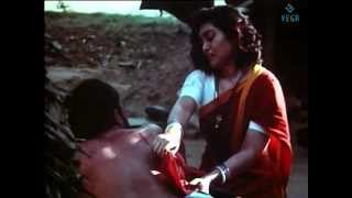 Thambikku Oru Pattu Movie : Silk Smitha Scene