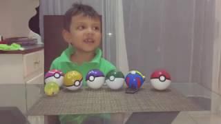 Santi en casa mágica de juguetes