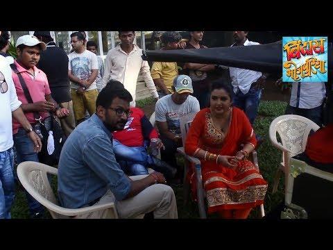 Xxx Mp4 Amrapali Dubey Nirahua की शूटिंग का वीडियो Bhojpuri Movie On Location Bindaas Bhojpuriya 3gp Sex