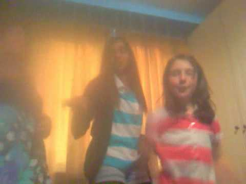 becky ella and meera singing dont stop believin' xxx