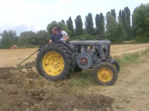 Aratura con trattori d epoca a Cendon di Silea TV Landini Fiat Ford