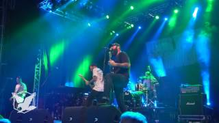 Four Year Strong - 'Find My Way Back' (live @ Jera On Air 2017)